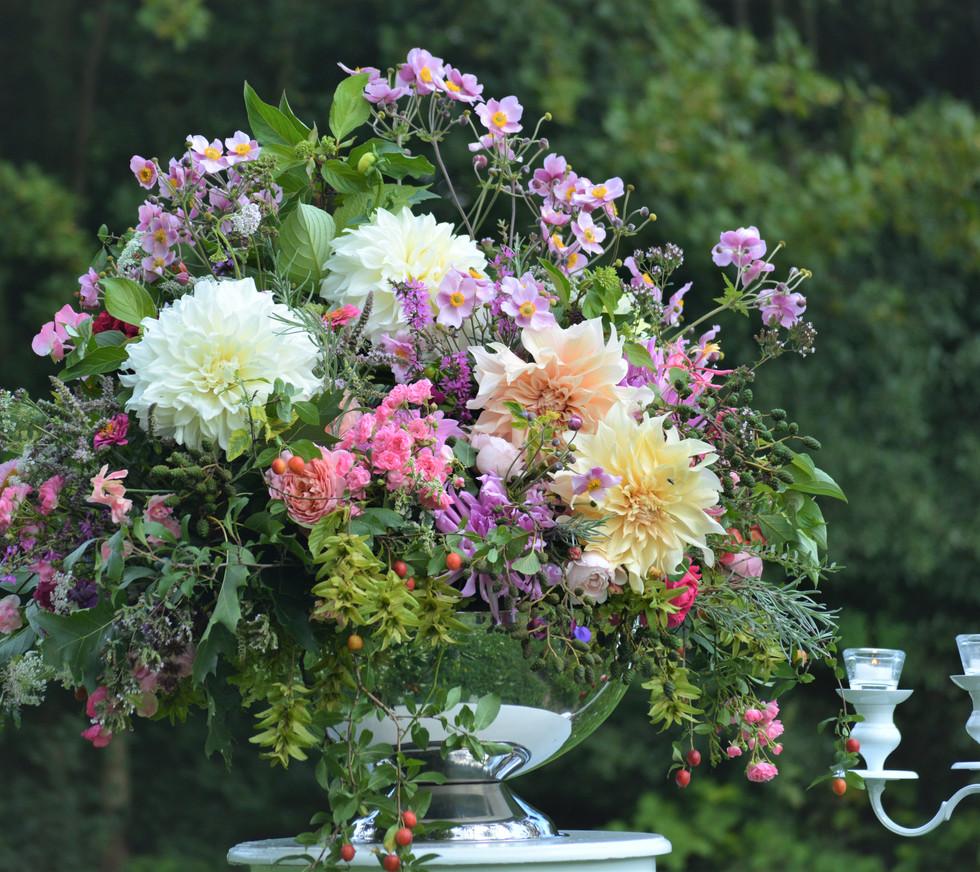 Opulentes Blumenarrangement Hochzeit/Event