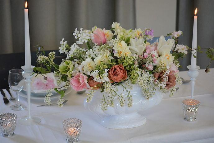 Hochzeitsgesteck, nachhaltige Hochzeitsfloristik Bremen, Foto: Susanne Kruse