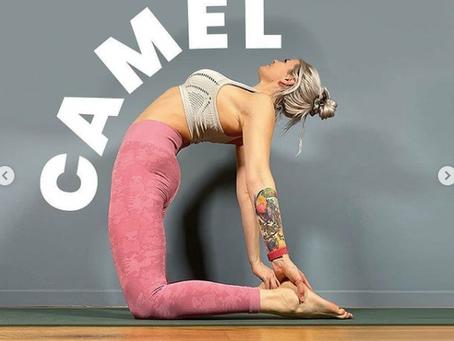 Strechings/ Yoga Positionen Homeoffice