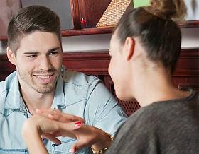 Hur man skriver en personlig annons för en dating hem sida
