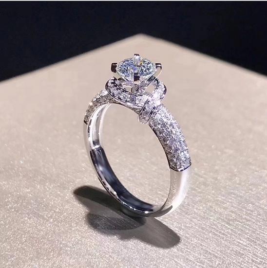 Women's Platinum Rose Petals Luxurious Ring