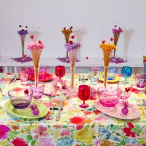 ガールズパーティのテーブル