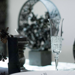 黒色のテーブル