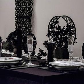 シックな女性のテーブル