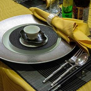 アジアンモダンのテーブル
