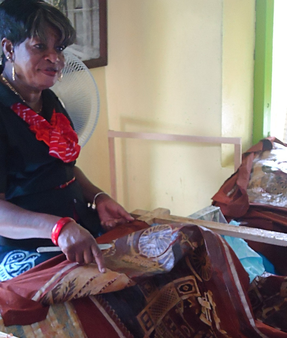 Artists can be seen demonstrating Batik's techniques and telling the history of art.