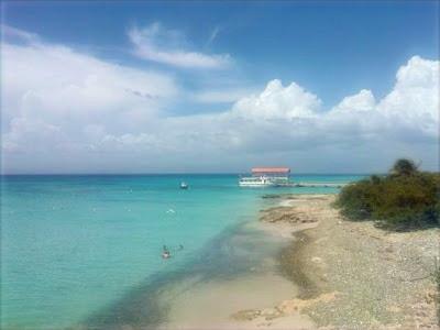 Playa Pelicano,  Isla Caja de Muertos, Puerto Rico