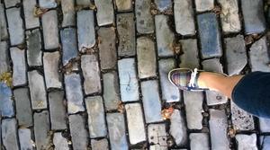 Los adoquines azules o grisáceos del Viejo San Juan.