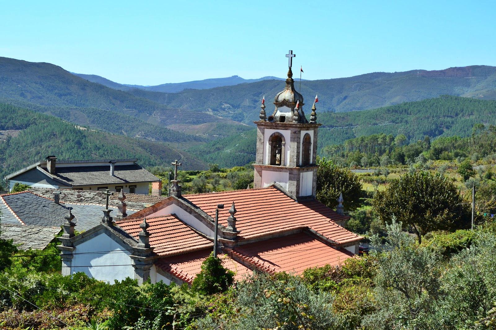 Pouso da Serra Igreja de Parada