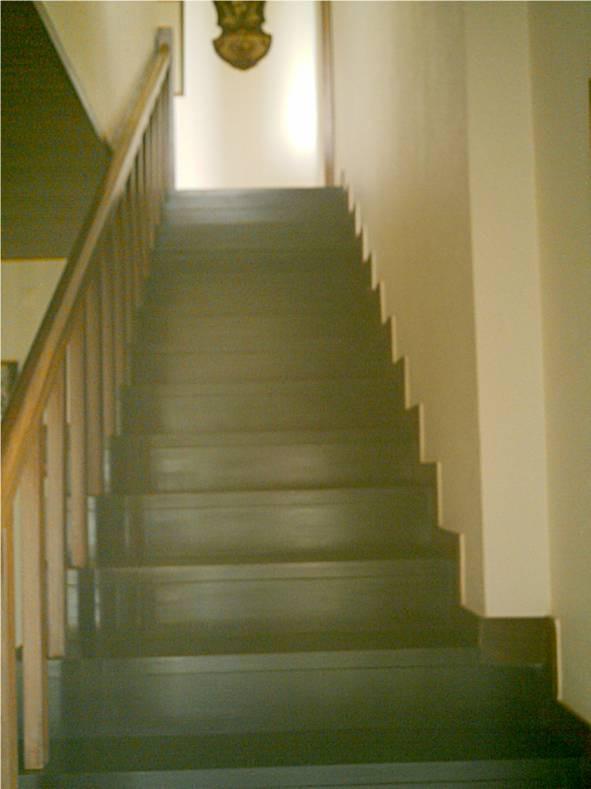 Escadas de acesso ao 1º andar