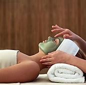 Aromatherapie gezichtsbehandelingen met BIo gecertificeerde olien in Rijswijk