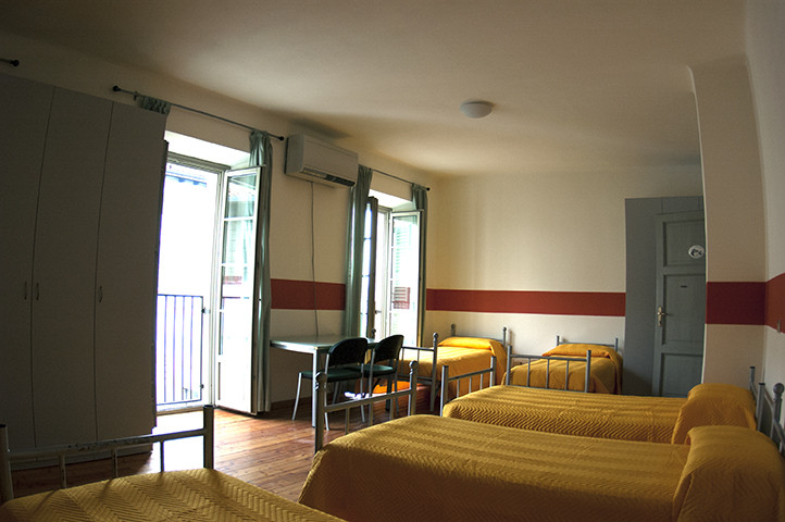 6 beds.jpg