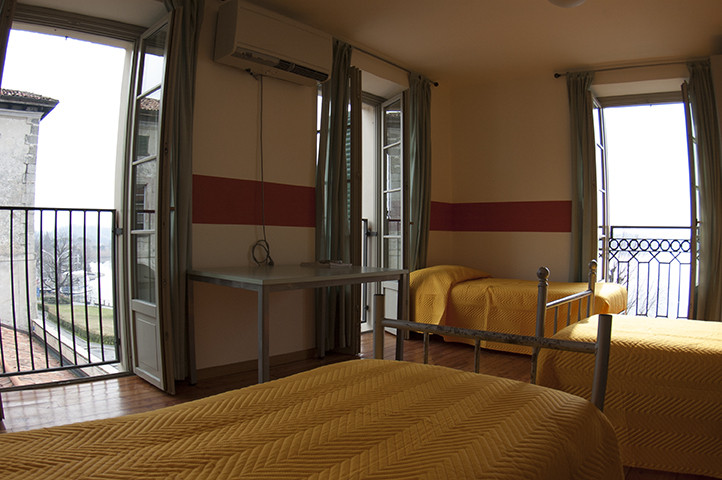 3 beds lake view.jpg