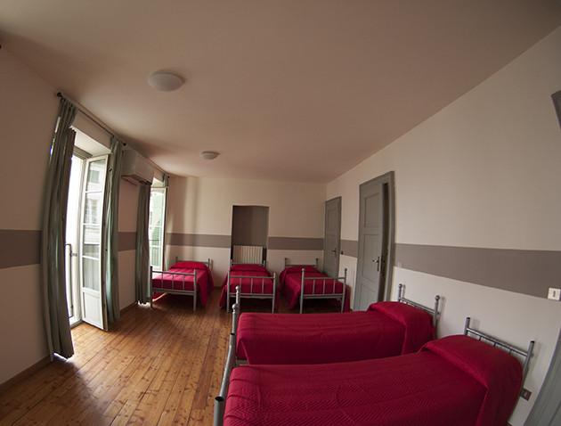 5 beds.jpg