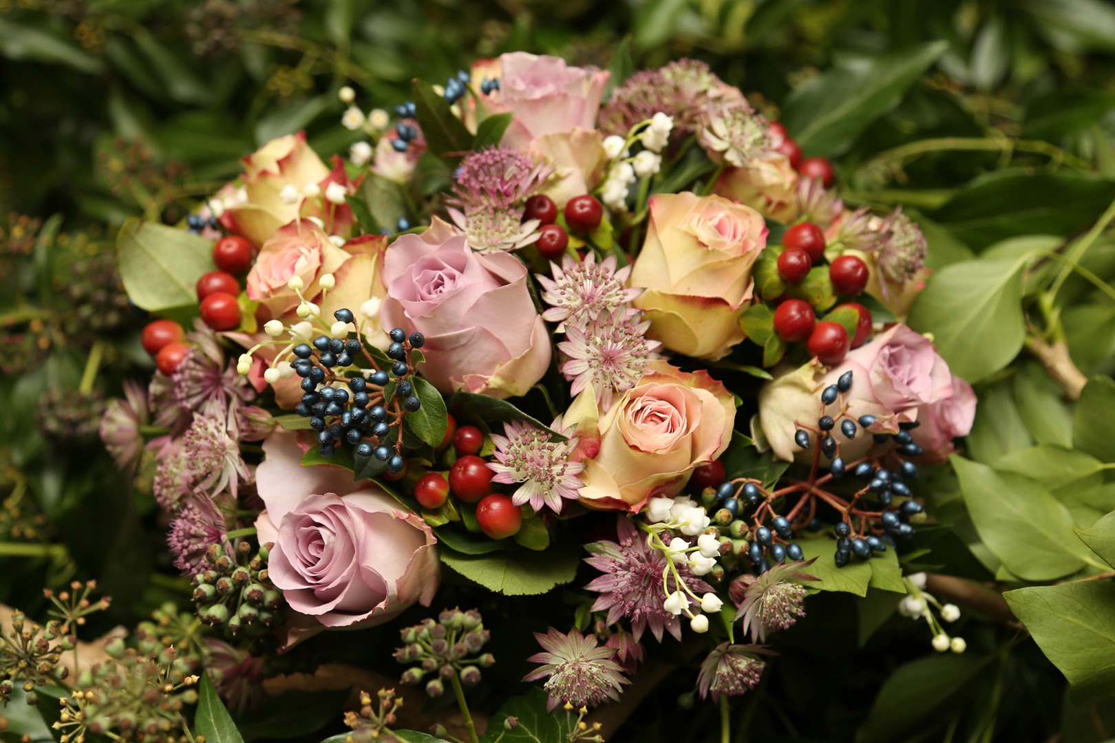 autumn winter wedding bouquet