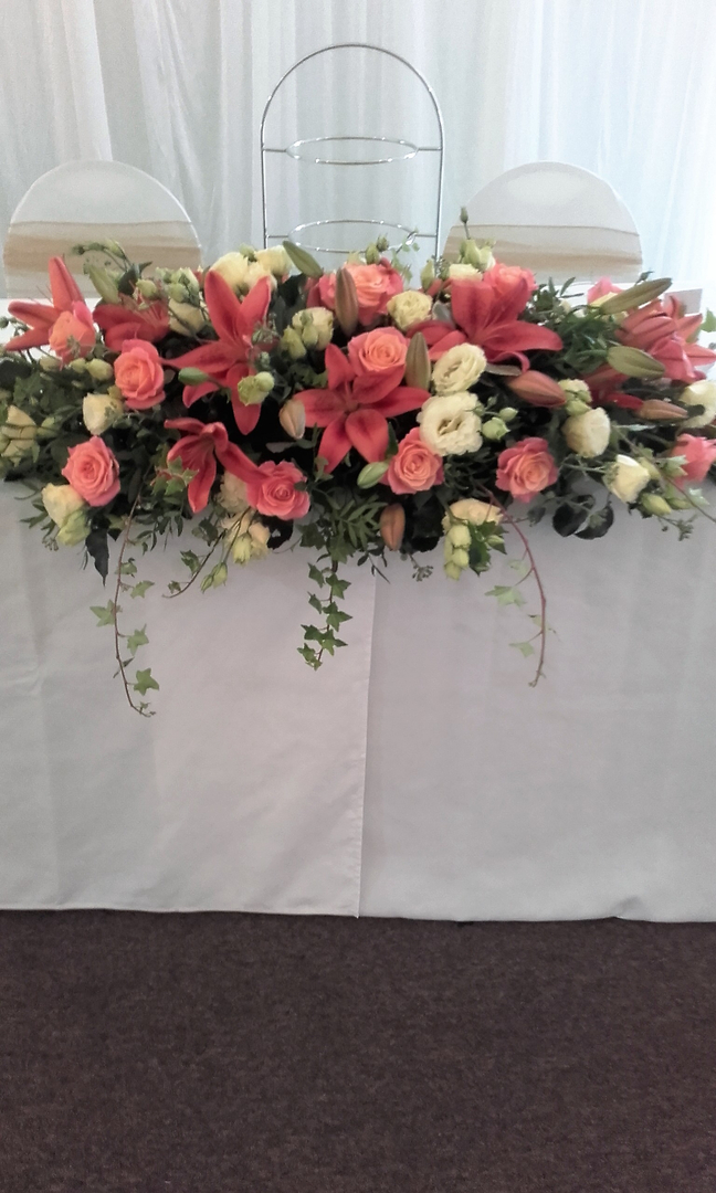 head table wedding flower display