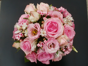 pink roses wedding bouquet .jpg