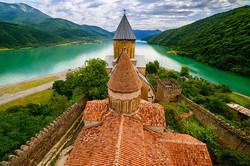 Средневековая крепость Ананури
