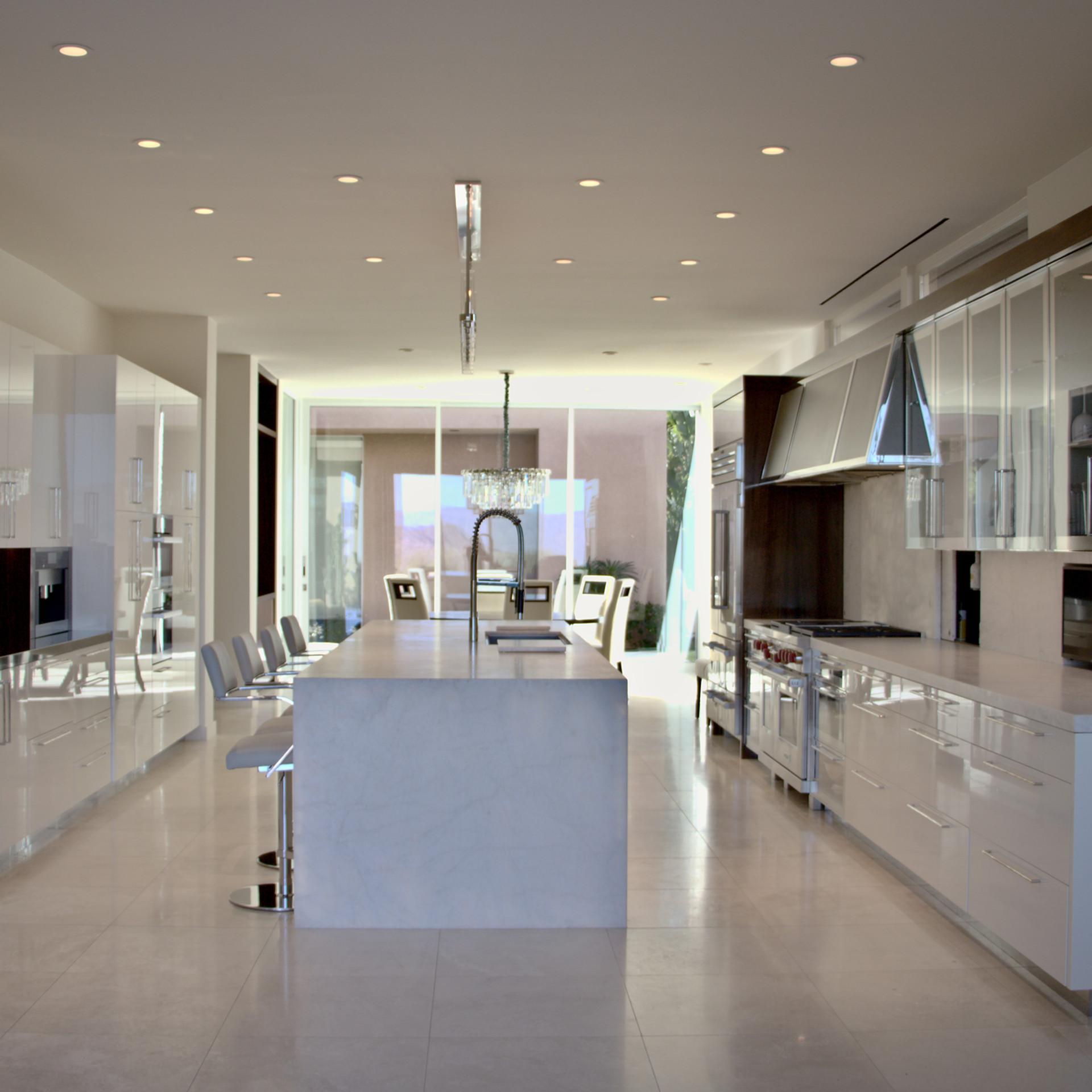 kitchennotlit.jpg