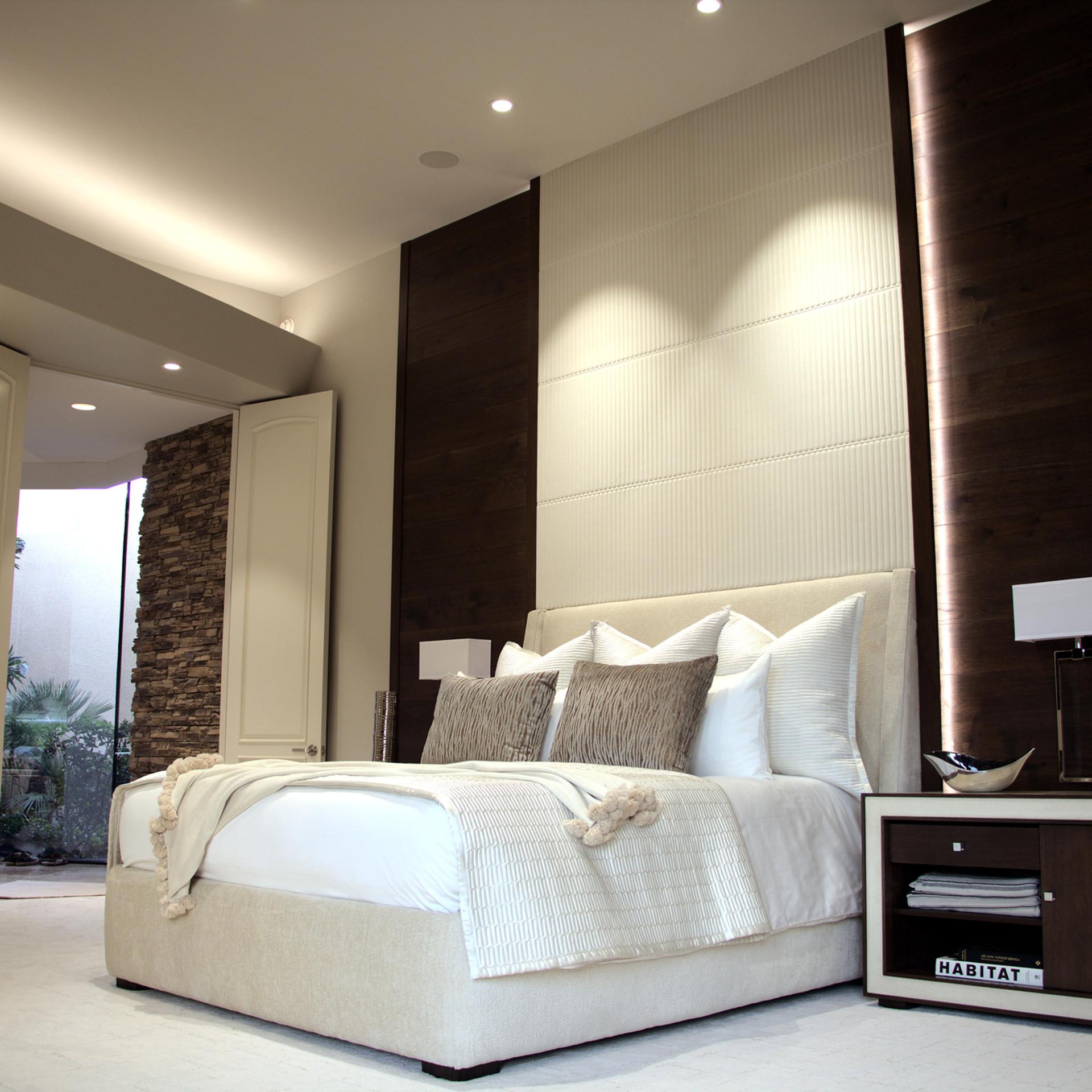 Bed2lightremoved.jpg