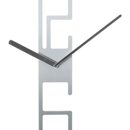 clock-047