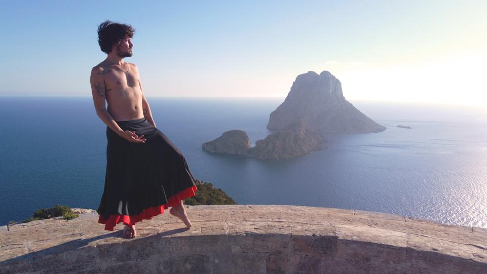 Baile flamenco frente a Es Vedra Ibiza
