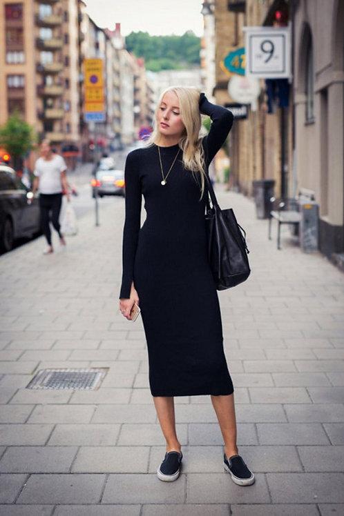 Vestido Largo Al Cuerpo De Lana Color Negro