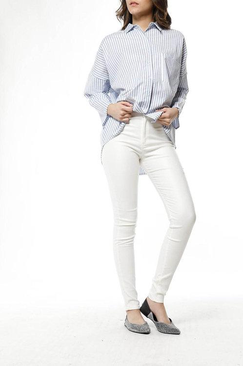 Camisa Amplia Blanca Con Rayas Celestes