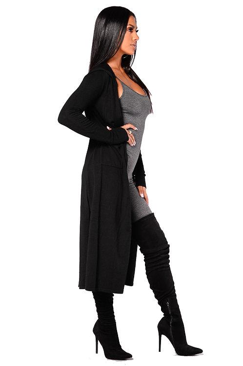 Saco Negro de Lanilla con Capucha de Mujer
