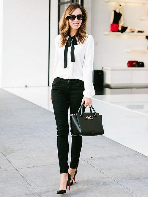 Camisa Entallada Blanca Con Moño Negro
