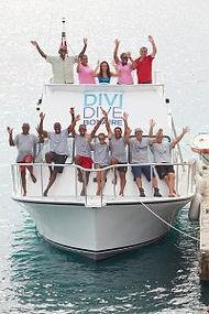 Bonaire_ScubaDiving_Diving_Boat_DiviDive
