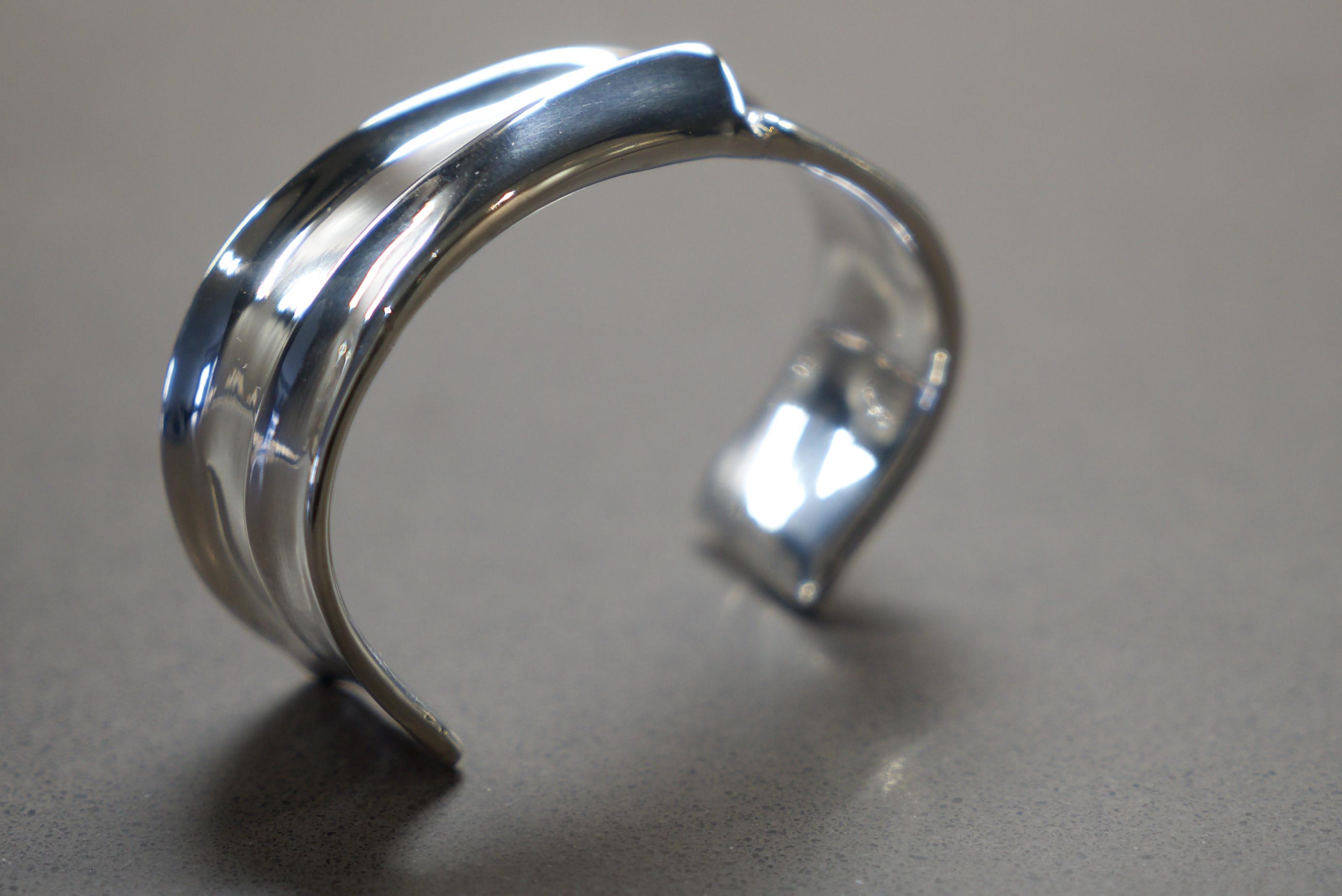 """""""THE CUT"""" bracelet"""