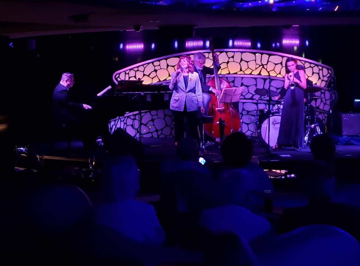 Chris Rottmayer, Banu Gibson, Richard Simon, Andrea Motis and Jeff Hamilton.