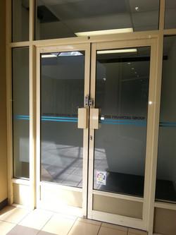 sydney-glass-frosting-decorative-stature2