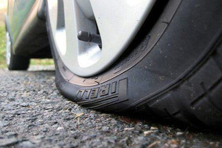 Flat Tire Issue? Fix it or Call For Help? 11 Easy Steps.