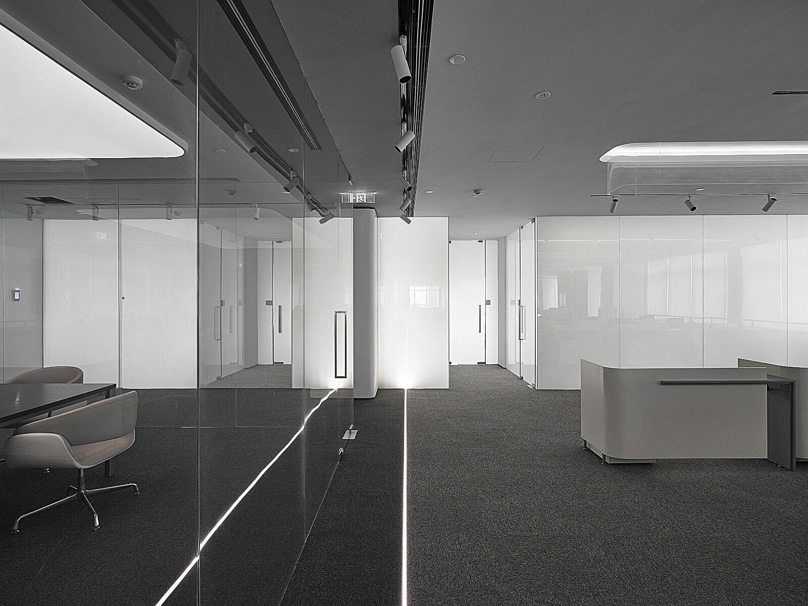 電膜玻璃霧化後產生的隔屏隱私效果
