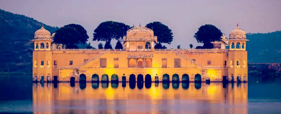 Lake Palace Udaipur India IMG_1904_edited_edited.jpg