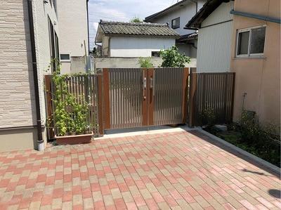 ガーデン入口 門扉