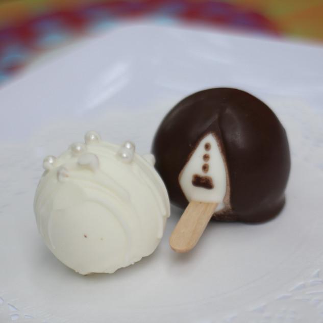 Bride & Groom PB Pops