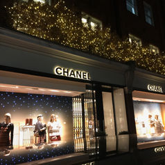 CHANEL STORE CHRISTMAS DECORATIONS 2017