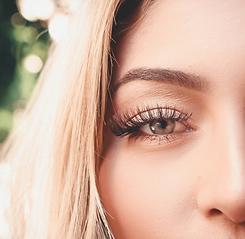 close-up-shot-of-woman-s-eye-3724431_edi