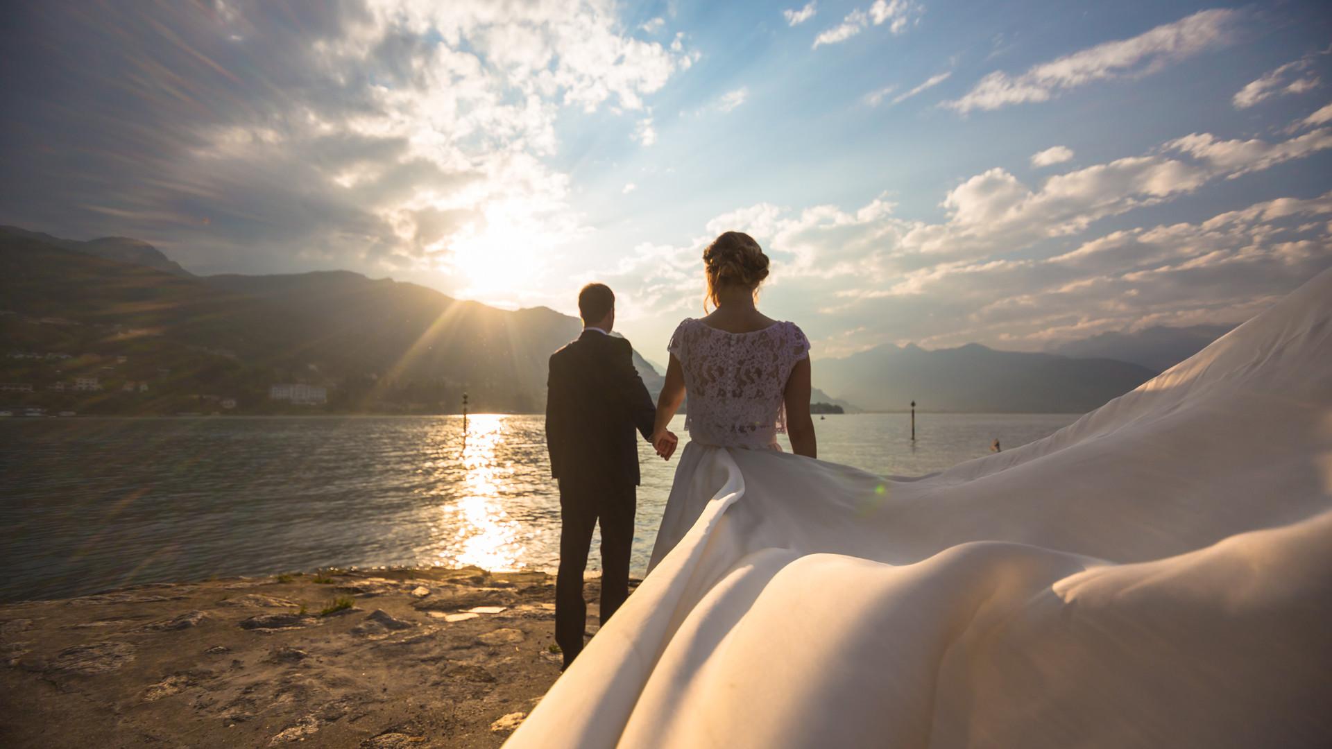 Foto di matrimonio al tramonto isola dei pescatori lago maggiore