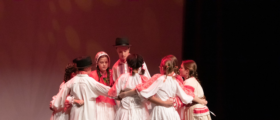 Croatoan's Junior and Intermediate Kolo Dance Group