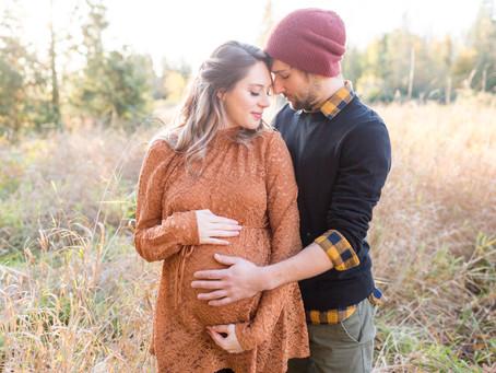Matt & Katie - Abbotsford Douglas Taylor Park Maternity Session