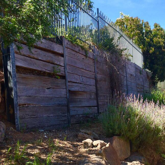 retaining-wall-before.jpg