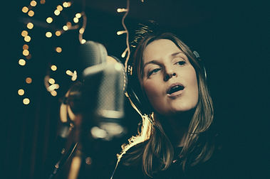 Lauren Kinsella(photo credit Aga Tomasze
