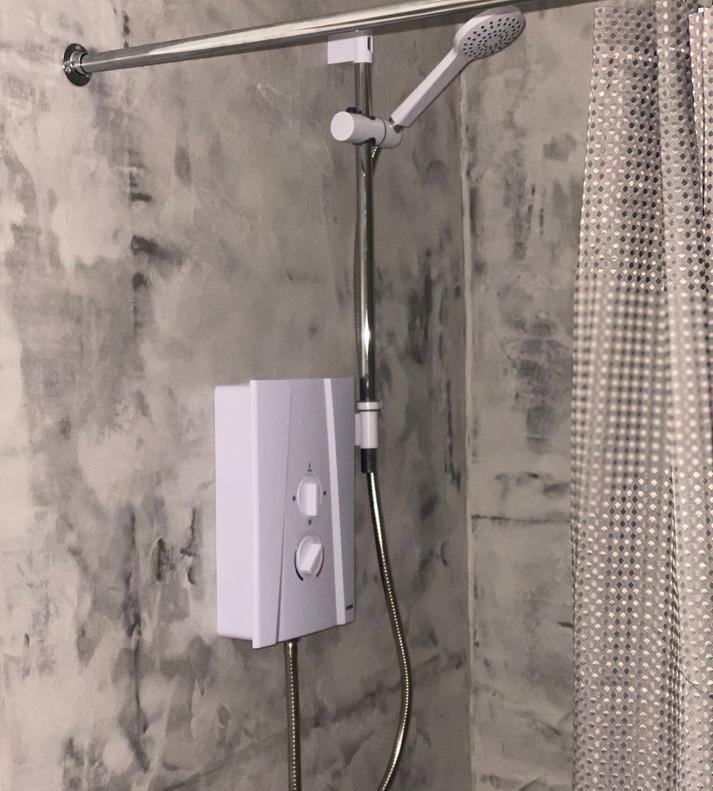 6 Shower Room.jpeg