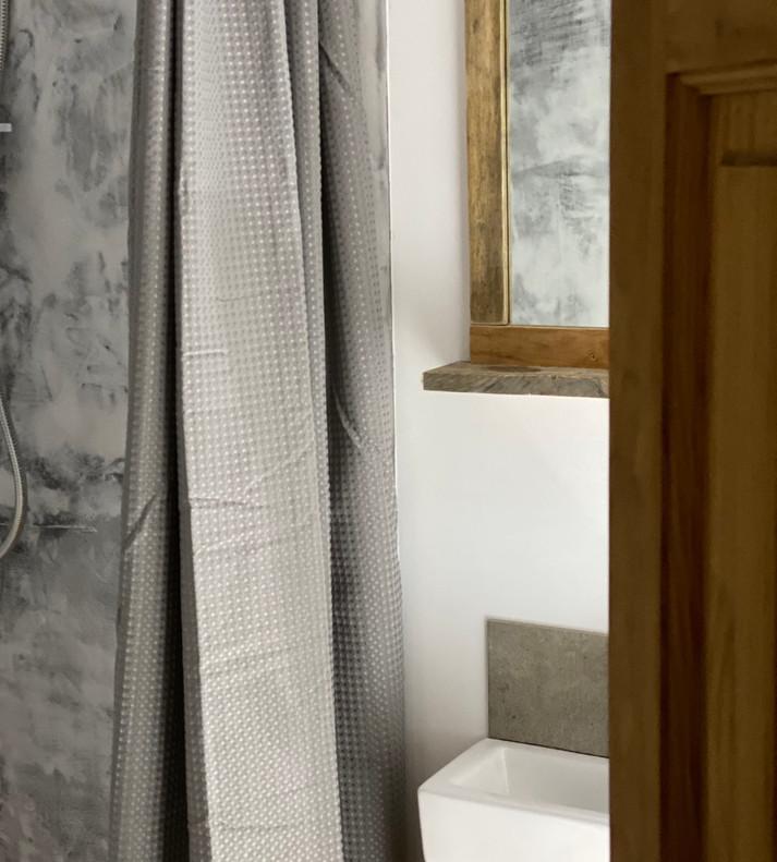18 Shower room.jpeg