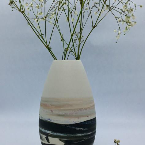 Vase en porcelaine décorée