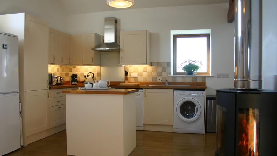 (6) Spacious kitchen.JPG